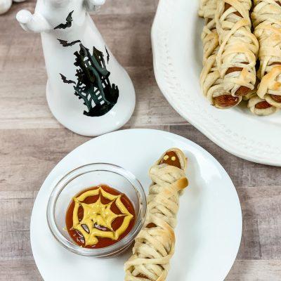 Halloween Mummy Dogs & Spiderweb Dipping Sauce