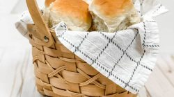 Homemade Dinner Rolls that are Perfectly Soft & Fluffy!