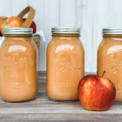How to Make {and CAN} Homemade Applesauce!